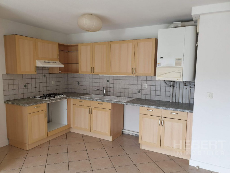 Rental apartment Sallanches 865€ CC - Picture 1