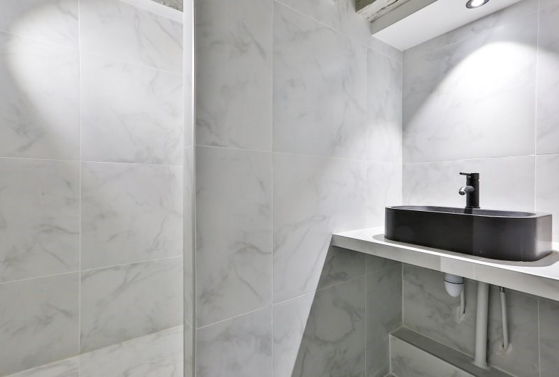 Sale apartment Paris 1er 625 000€ - Picture 5