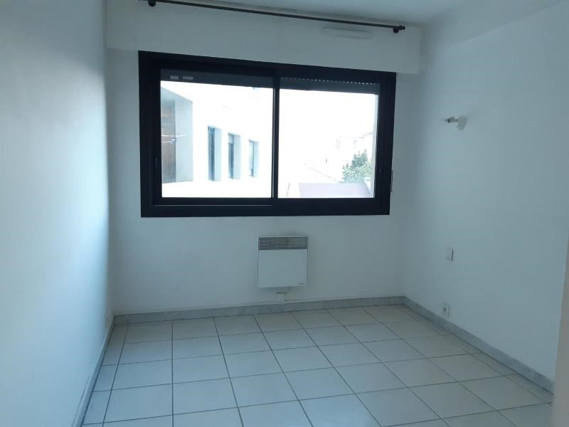Location appartement Marseille 6ème 678€ CC - Photo 5