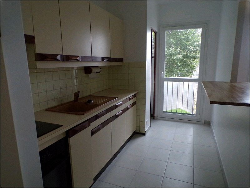 Rental apartment Yerres 896€ CC - Picture 3