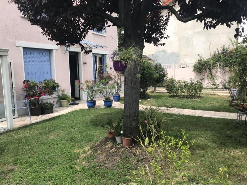 Sale house / villa Bondy 294000€ - Picture 4