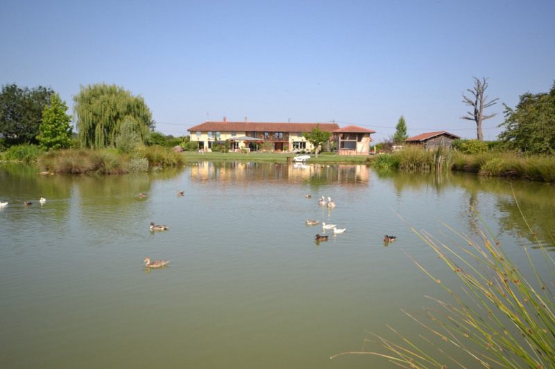 Genève à 1h30, Lyon à 45 mn, propriété de 345 m² habitables