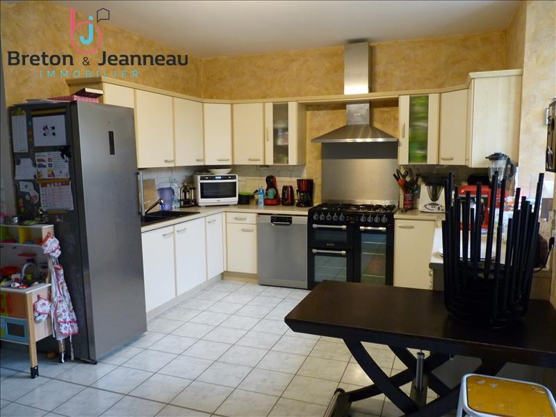 Sale house / villa Craon 156000€ - Picture 3