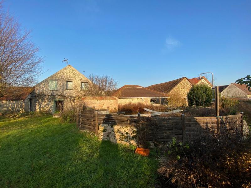 Sale house / villa Chevannes 349000€ - Picture 1