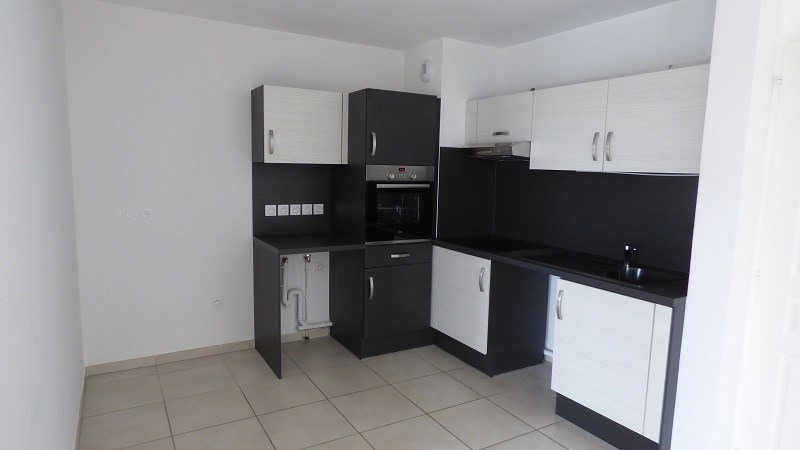 Rental apartment Gex 1 585€ CC - Picture 2