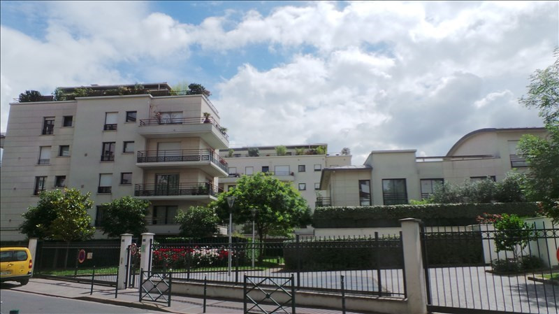 Rental apartment Colombes 973€ CC - Picture 1