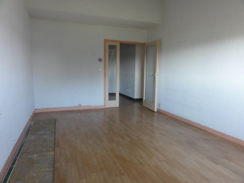 Deluxe sale apartment Chatou 210 000€ - Picture 3