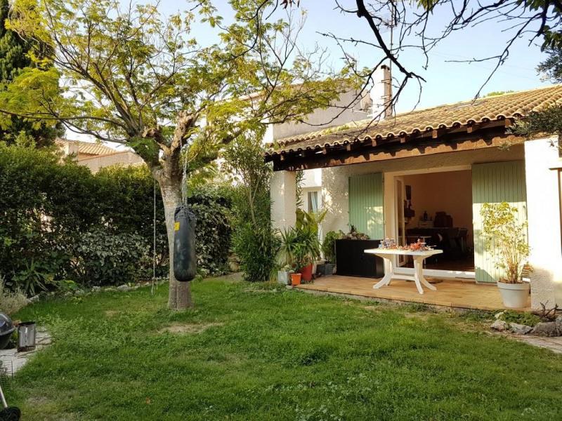 Rental house / villa Les angles 893€ CC - Picture 1