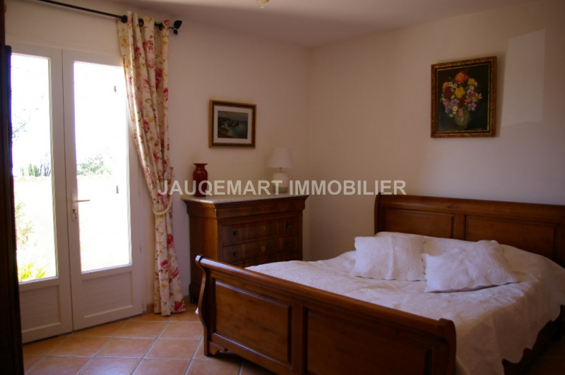 Vacation rental house / villa Lambesc 850€ - Picture 9