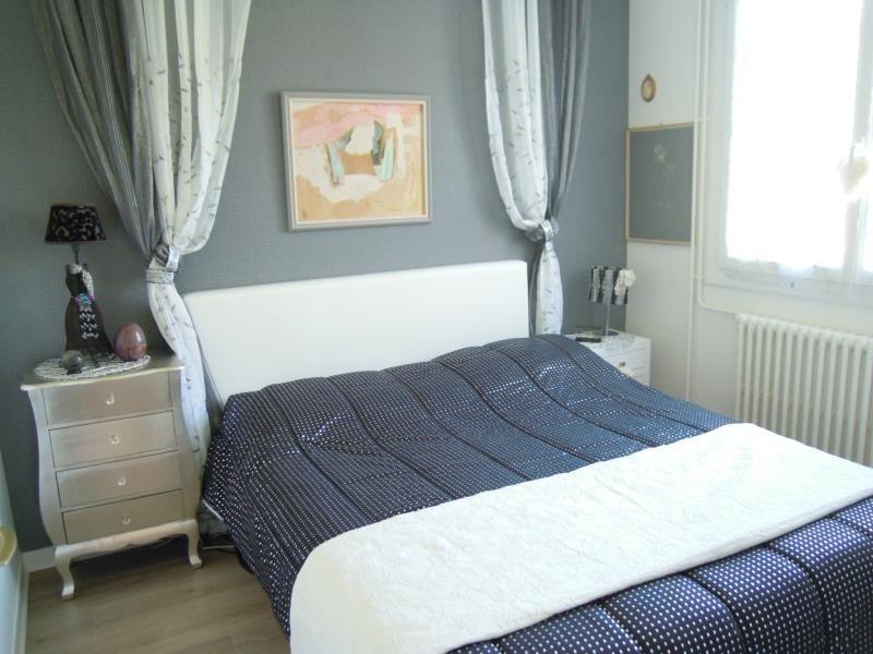 Sale house / villa St palais 249000€ - Picture 5
