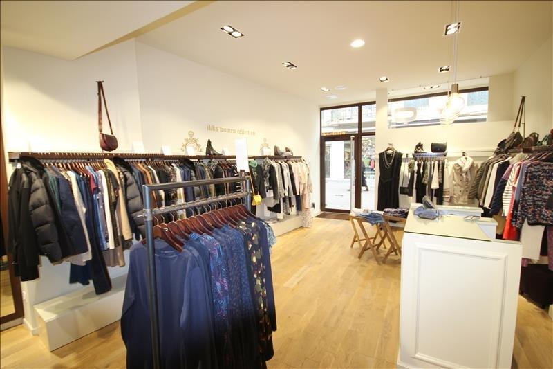 Commercial property sale shop Aix-les-bains 190000€ - Picture 1
