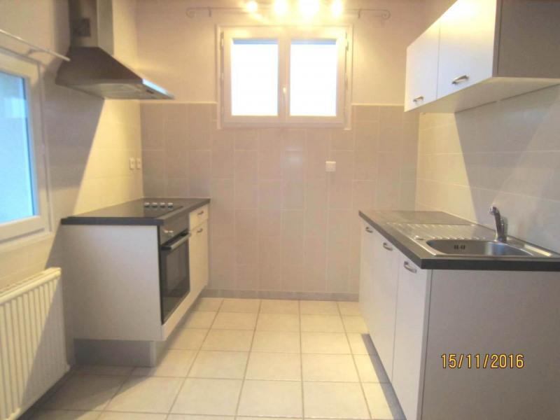 Rental apartment Châteaubernard 450€ CC - Picture 1