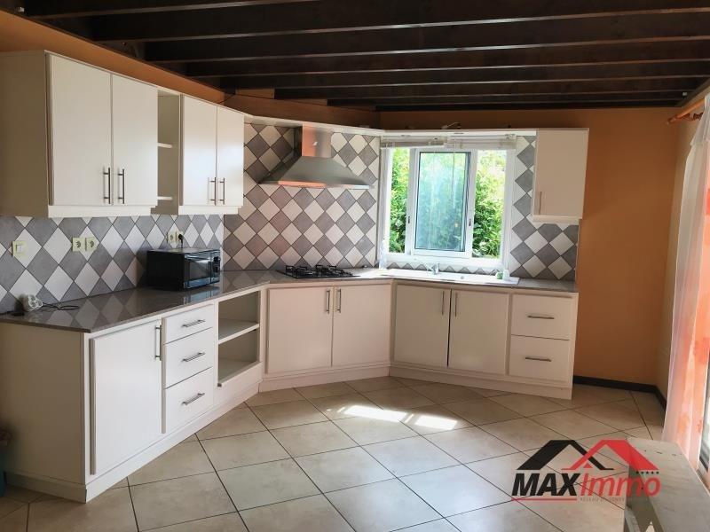 Location maison / villa La riviere 980€ CC - Photo 2