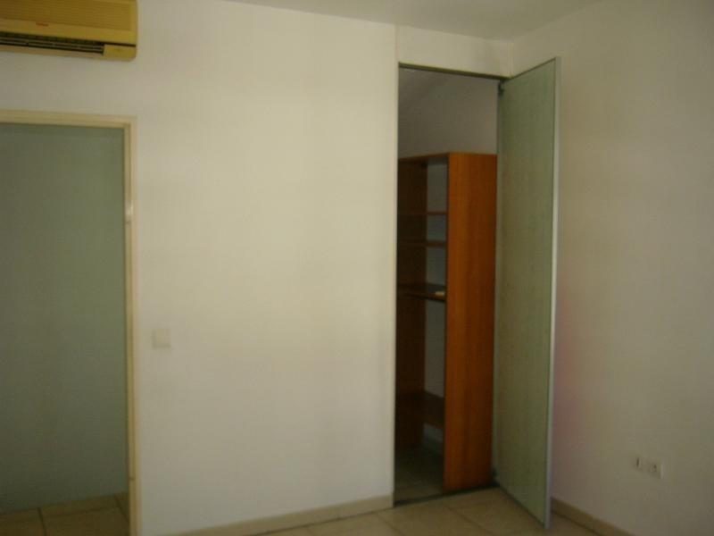 Rental apartment St denis 733€ CC - Picture 8