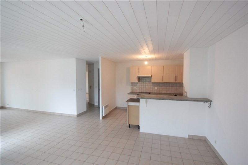 Location appartement La roche-sur-foron 858€ CC - Photo 3
