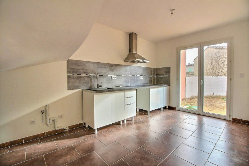 Location maison / villa Garons 919€ CC - Photo 3
