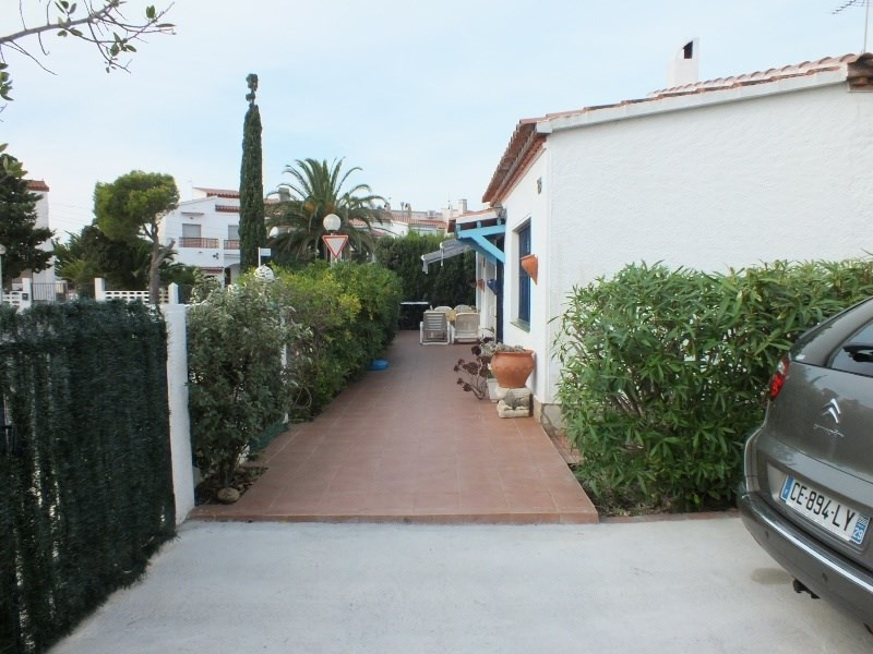 Vacation rental house / villa Roses 1056€ - Picture 4