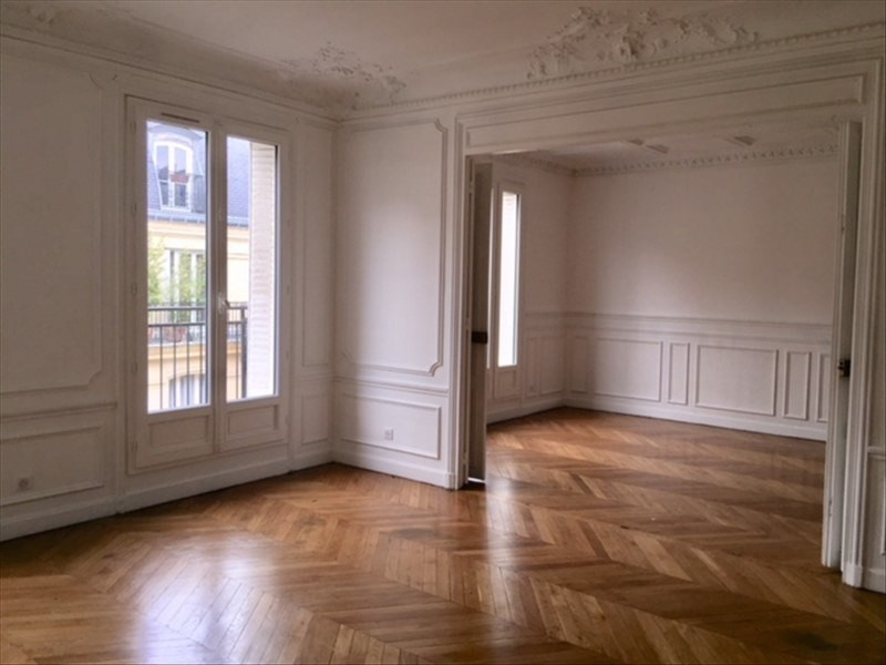 Rental apartment Paris 9ème 3 800€ CC - Picture 2