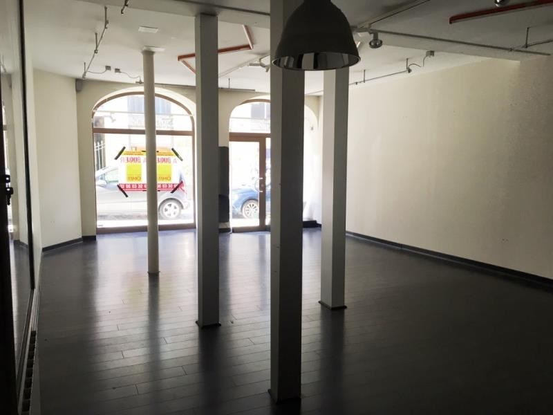 Location local commercial Fougeres 750€ HT/HC - Photo 6