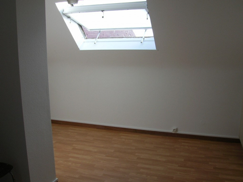 Location appartement Strasbourg neudorf 287€ CC - Photo 2
