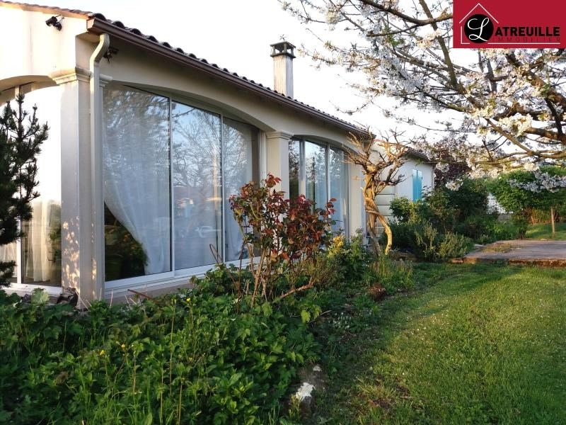 Vente maison / villa Gemozac 250 800€ - Photo 1