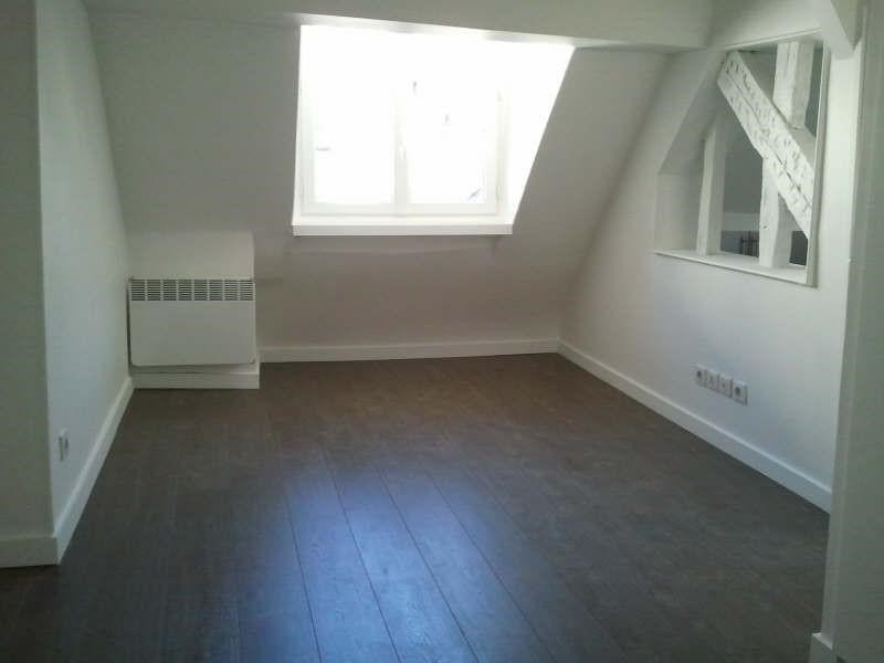 Rental apartment Paris 3ème 1 371€ CC - Picture 1
