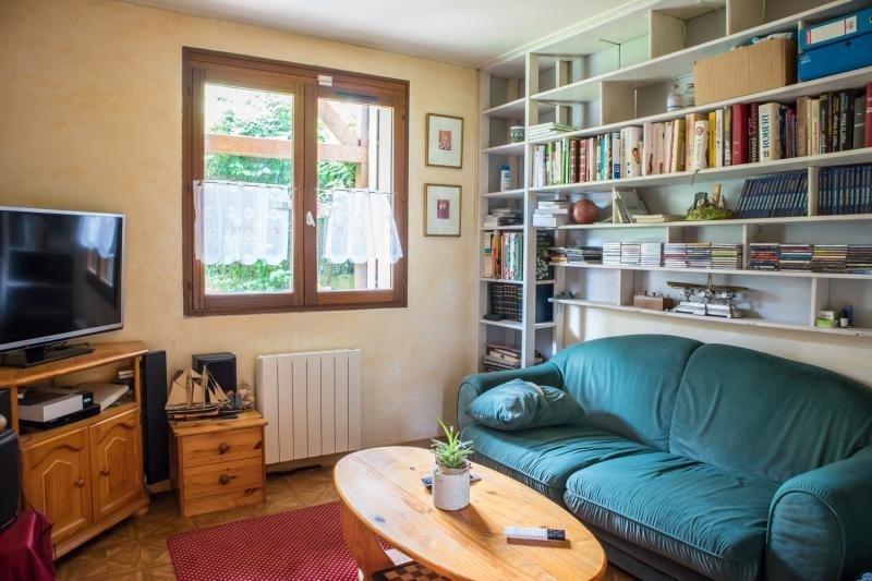 Sale house / villa Montfort l amaury 398000€ - Picture 4