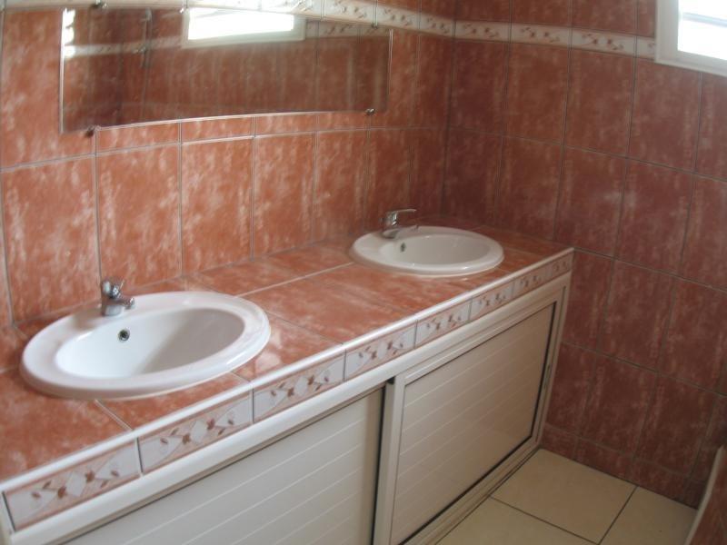 Rental house / villa La possession 806€ CC - Picture 6
