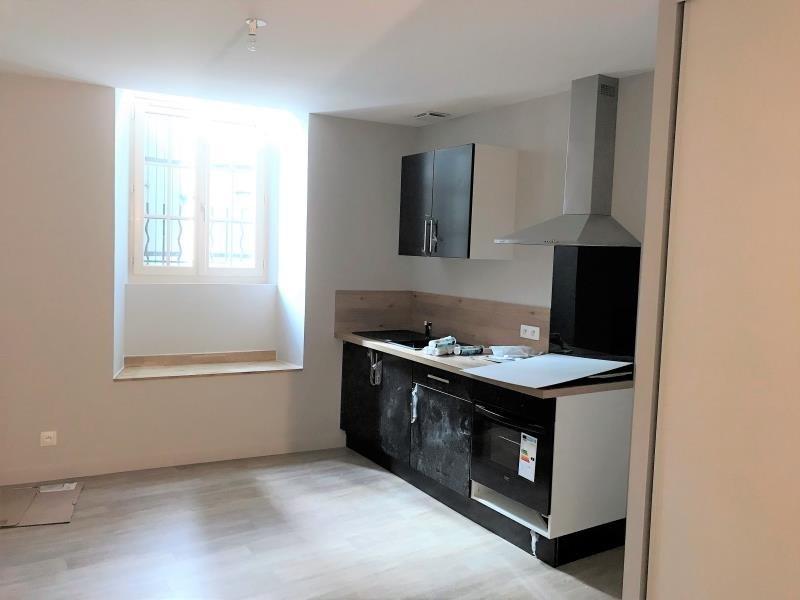 Location appartement Vivonne 428€ CC - Photo 3
