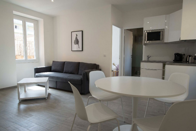Sale apartment Nice 189 000€ - Picture 2