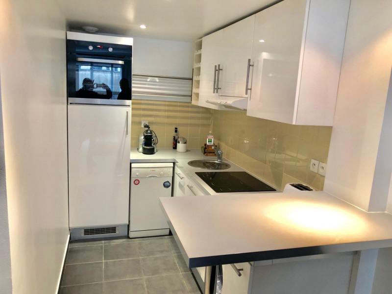 Rental apartment Paris 8ème 1650€ CC - Picture 4