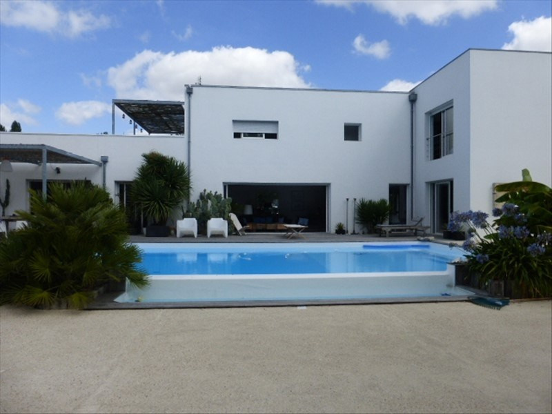 Deluxe sale house / villa Rochefort 780 000€ - Picture 2