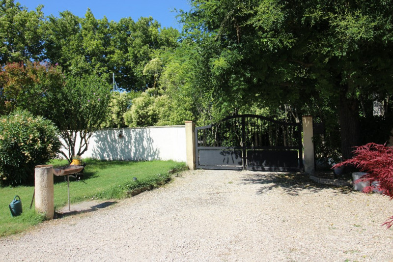 Vente maison / villa Tarascon 360 000€ - Photo 3
