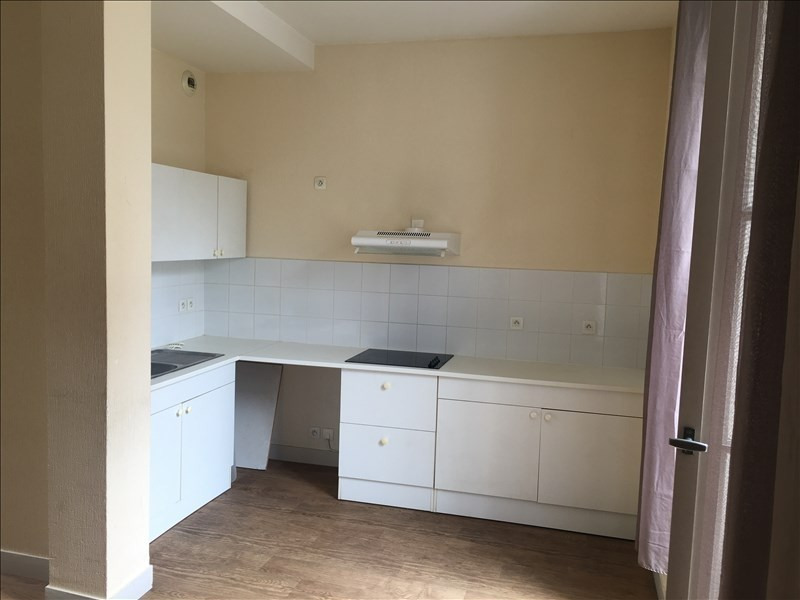 Location appartement Poitiers 520€ CC - Photo 3