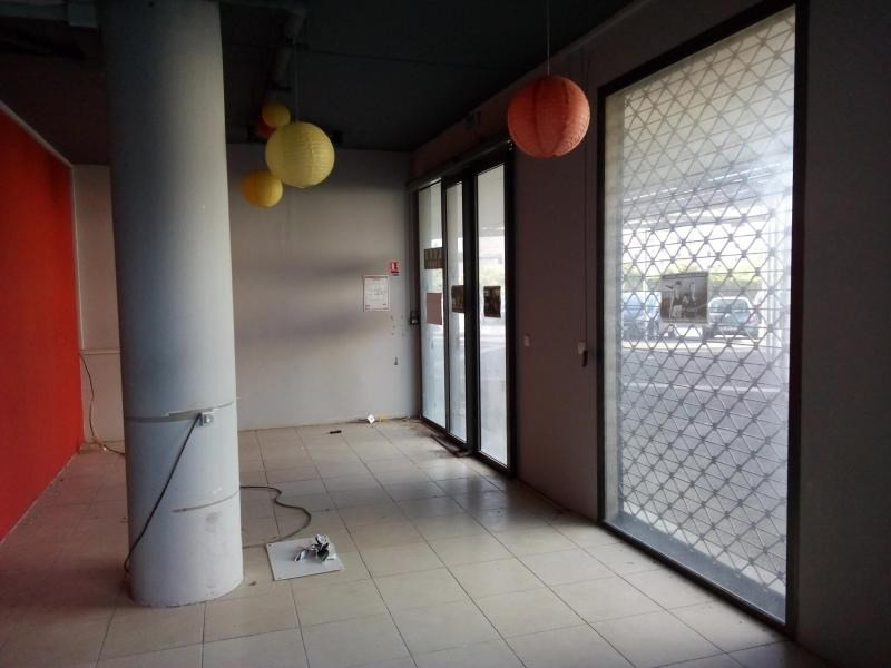Location local commercial St pierre 3 349€ HT/HC - Photo 2