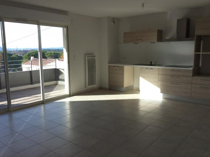 Rental apartment Fréjus 990€ CC - Picture 1
