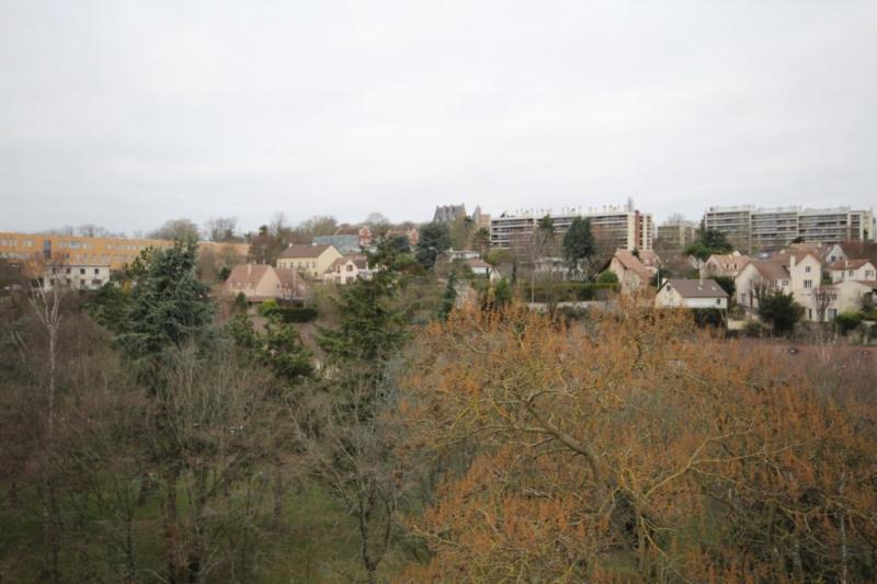 Sale apartment Saint germain en laye 230000€ - Picture 1