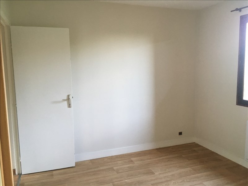 Location maison / villa St ouen 755€ CC - Photo 16