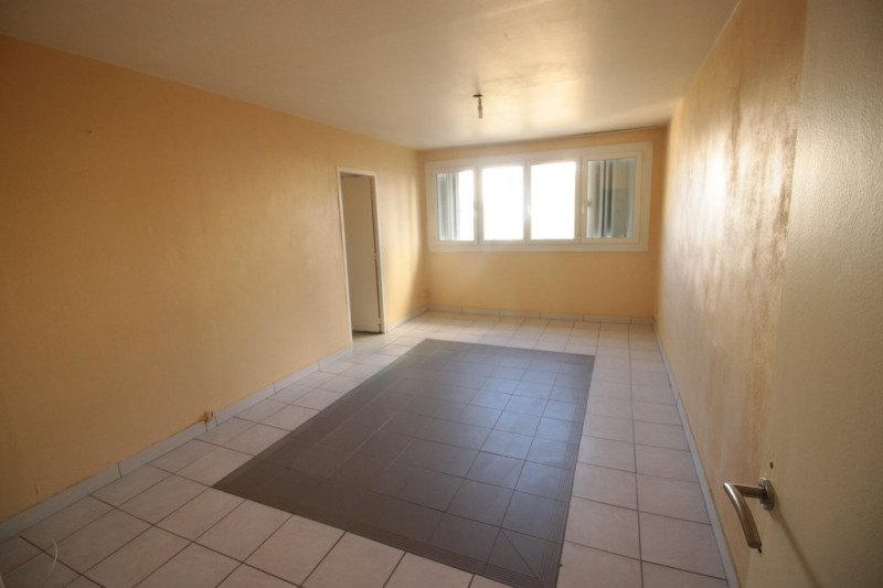 Sale apartment Marseille 56 000€ - Picture 1
