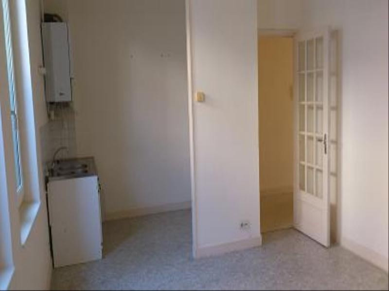 Rental apartment Vichy 390€ CC - Picture 2