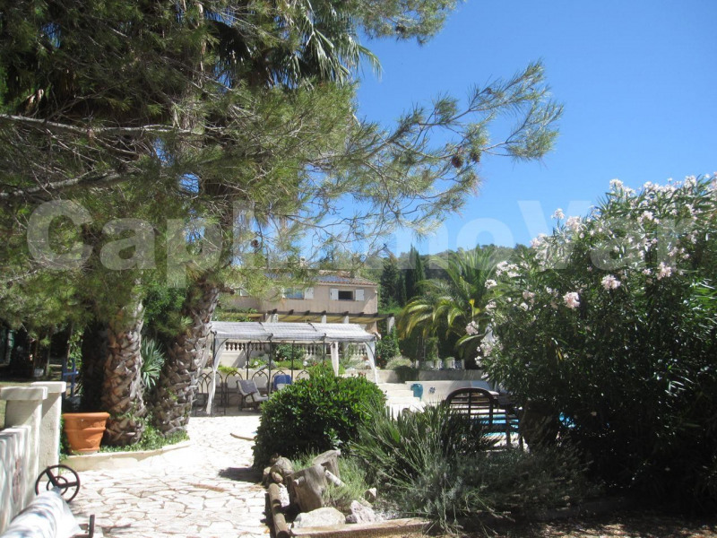 Vente de prestige maison / villa Evenos 730 000€ - Photo 1