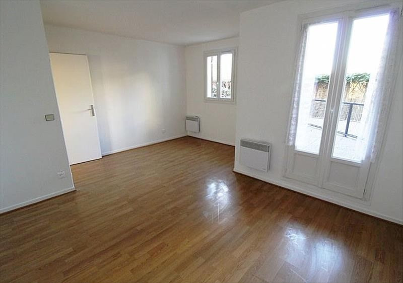 Location appartement Montigny le bretonneux 943€ CC - Photo 1