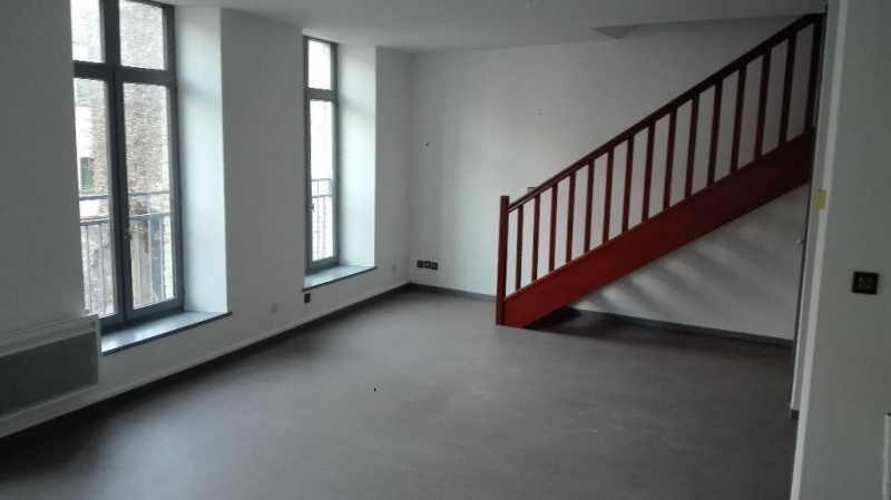 Rental apartment St omer 499€ CC - Picture 2