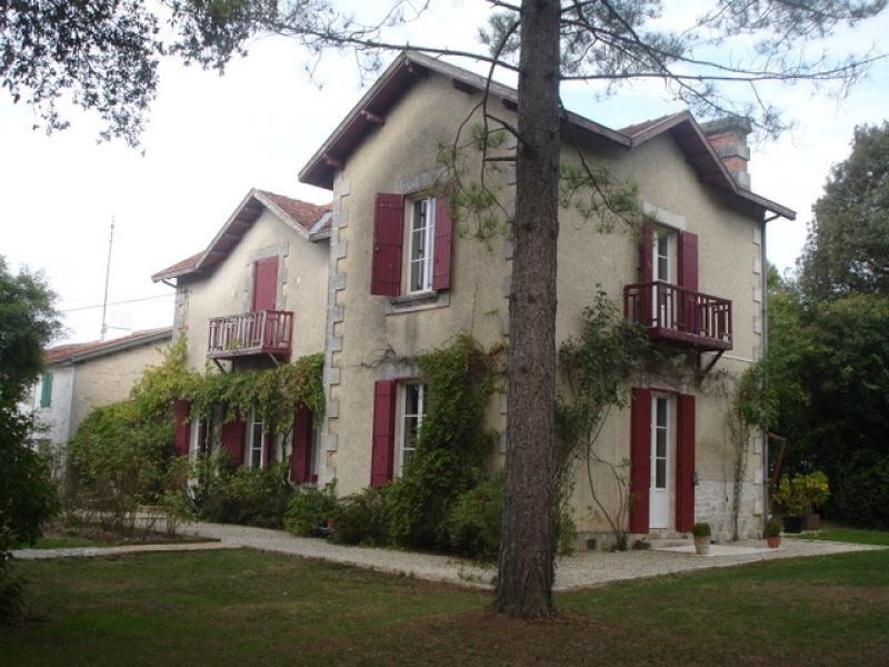Vente maison / villa Bouhet 388 500€ - Photo 1