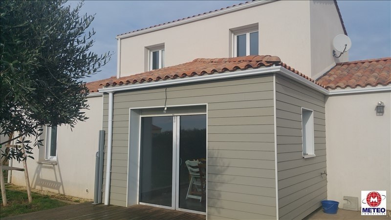 Sale house / villa Angles 242350€ - Picture 1