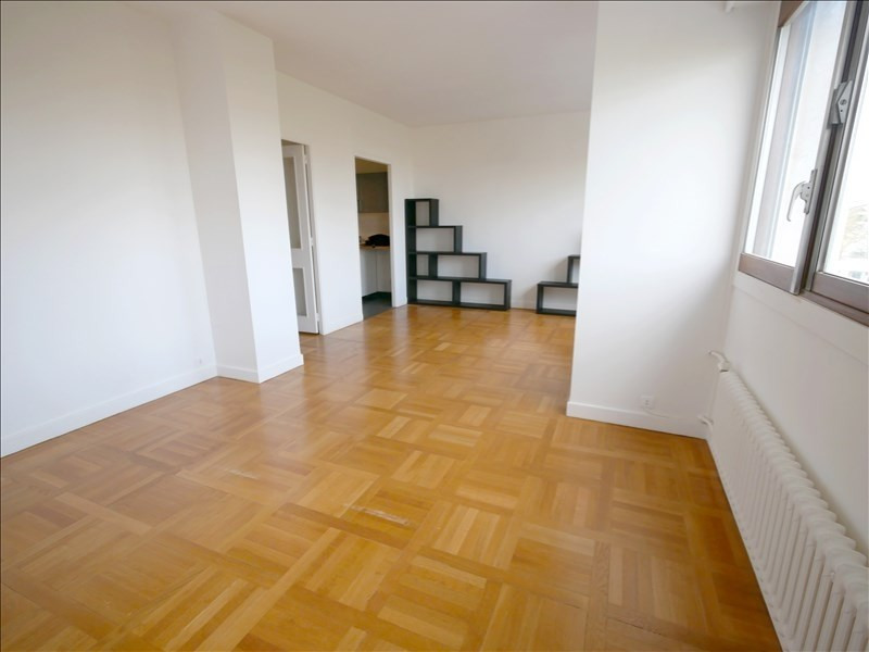 Location appartement Garches 980€ CC - Photo 1