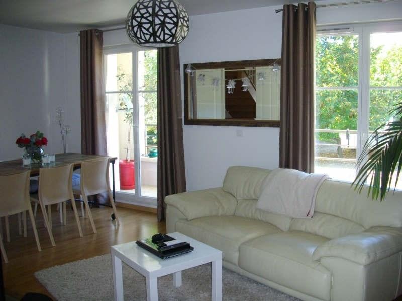 Rental apartment Chatou 1324€ CC - Picture 2