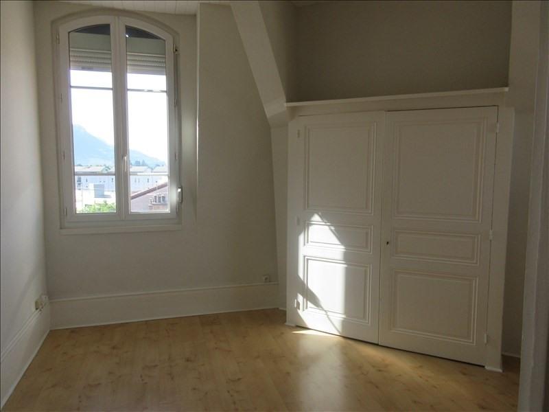 Rental apartment Voiron 337€ CC - Picture 1