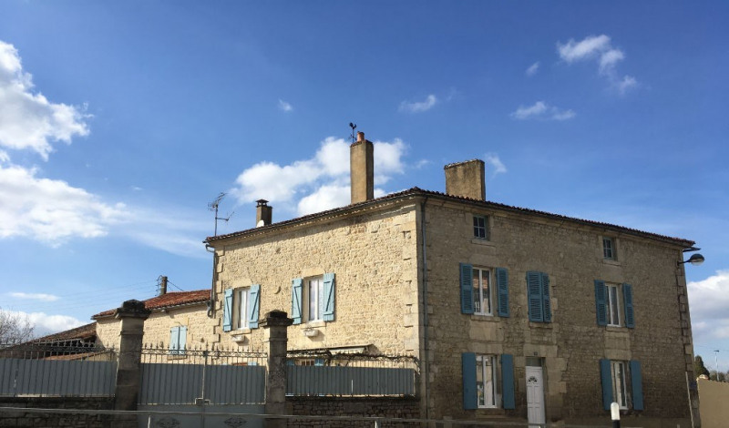 Fontenay Le Comte - 8 pièce (s) - 190 m²