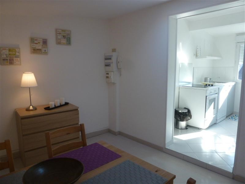 Rental apartment Fontainebleau 1 013€ CC - Picture 4